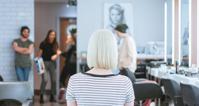 jak nowa fryzura może zmienić wygląd osoby