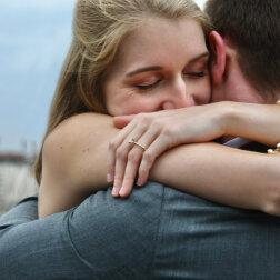 Czy kobieta potrafi natychmiast rozpoznać swojego przyszłego męża spośród tysięcy innych mężczyzn?