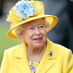 5 rzeczy, które Elżbieta II zawsze ma w swojej torebce